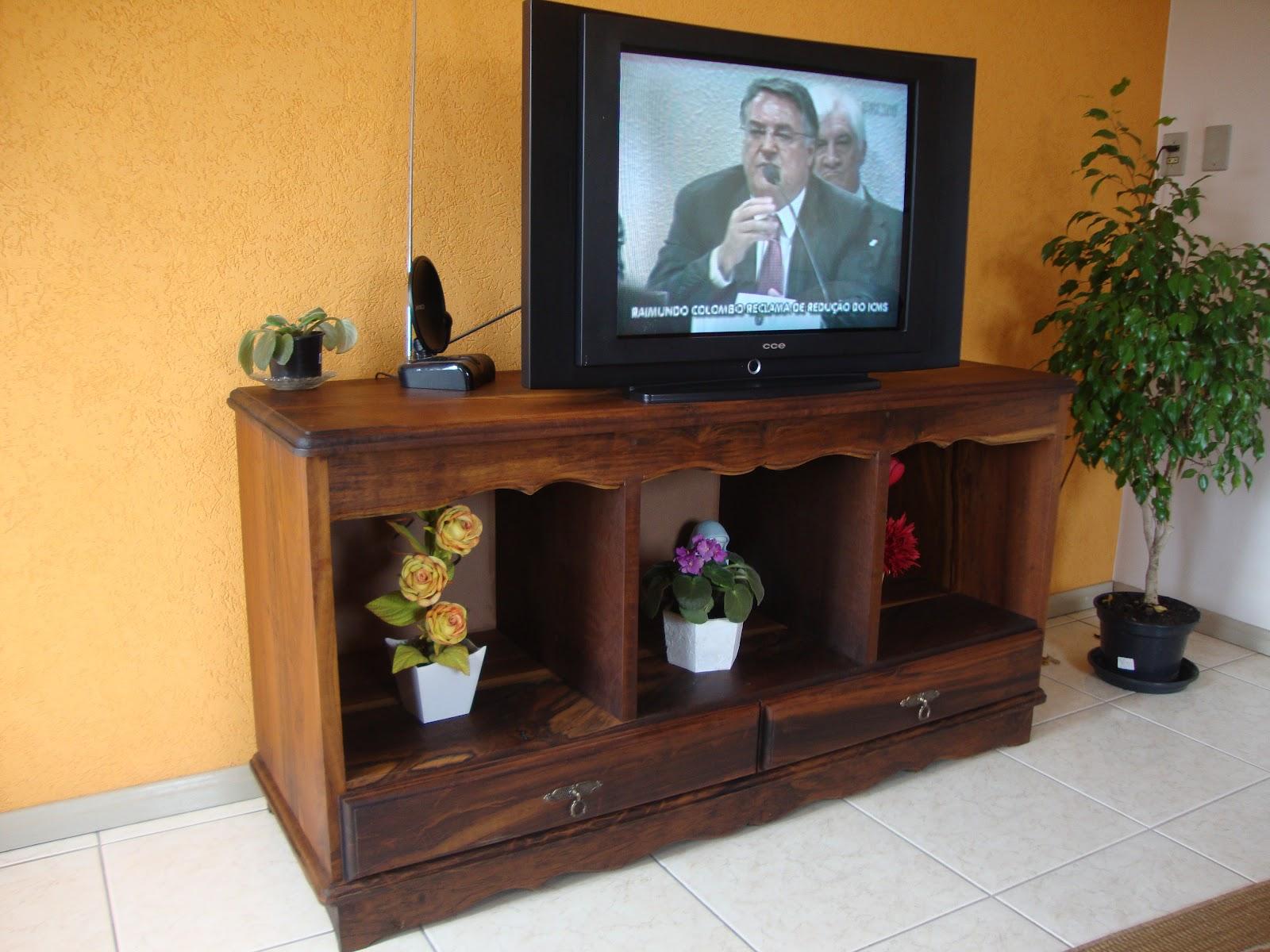 arte em madeira!: Aparador para TV em imbuia (demolição #BE770D 1600x1200