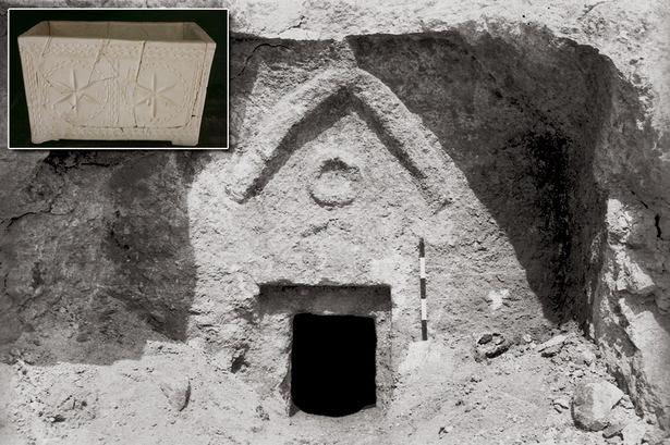 pintu makam Talpiot (sumber: Getty Images)