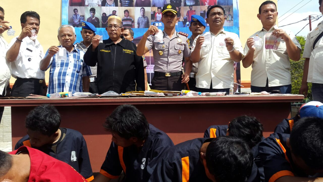 Kapolres Labuhanbatu Paparkan Penangkapan 28 Bandit