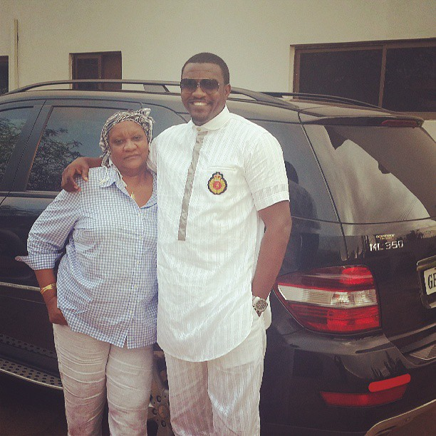 john dumelo mother