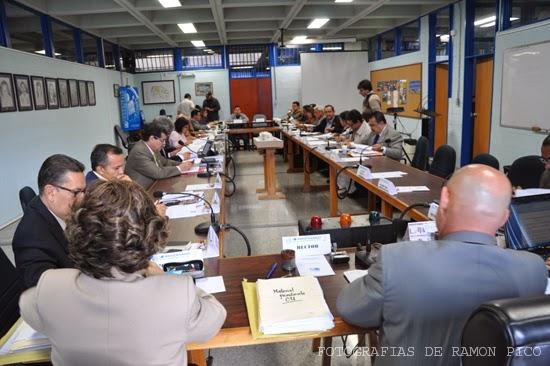 En el salón de sesiones del Consejo de Facultad de Ingeniería se efectuó este Consejo Universitario de la ULA. (Foto: Ramón Pico)