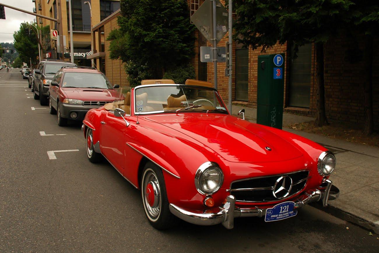 OLD PARKED CARS.: 1959 Mercedes-Benz 190SL.