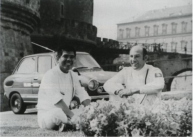 Stirling Moss, Mitsuo Itoh, suzuki fronte 360, szybkie małe auta, sportowe małe samochody, japońska motoryzacja, kei car