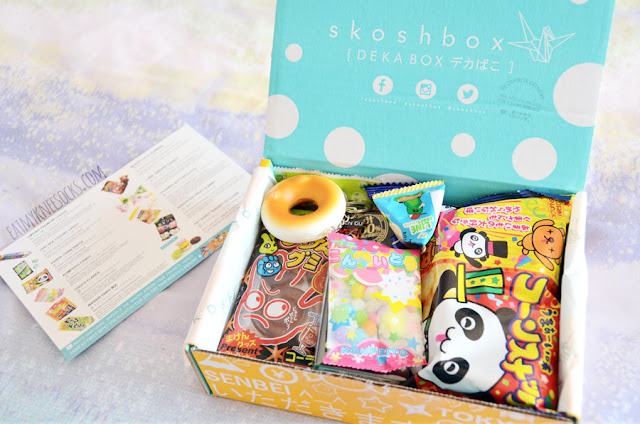 Full photo of the September 2015 Skoshbox DEKAbox, a monthly subscription box full of Japanese sweets, snacks, candies, treats, and more!