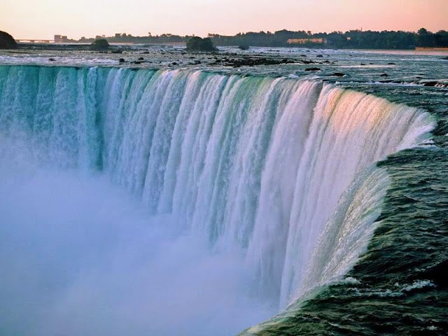 The Niagara waterfalls in Canada & United States of America