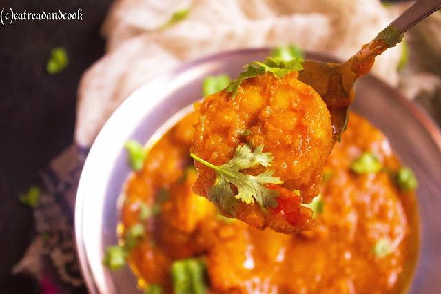 how to cook bengali style Aloo Kumro diye Chingri Macher Jhol