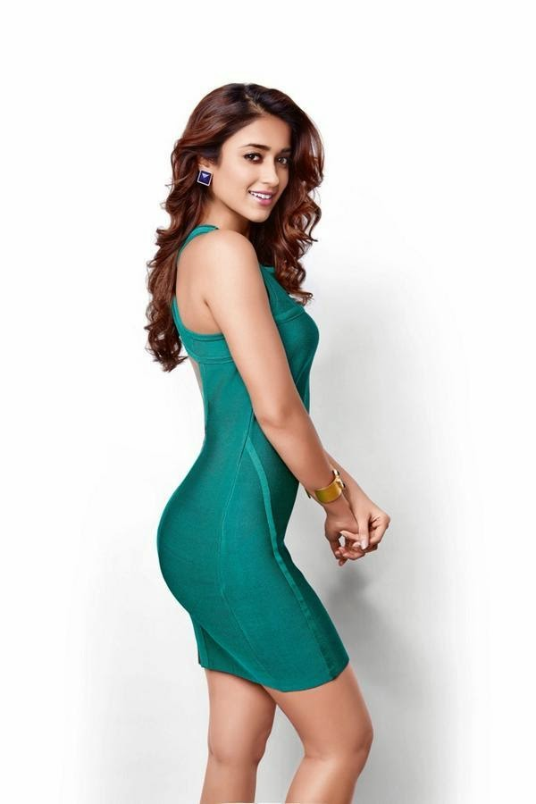 ileana dcruz hot hd thigh wallpapers