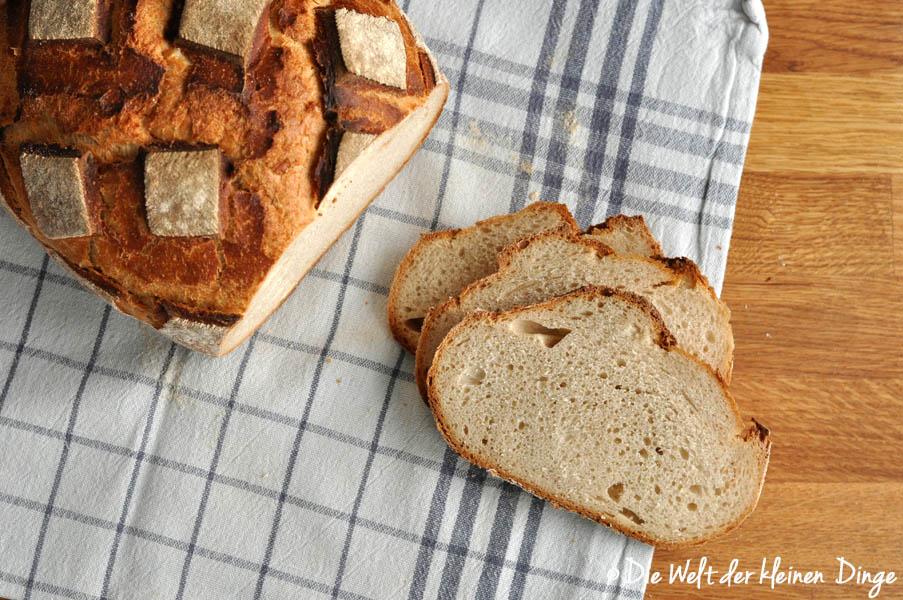 Brot, Joghurt, Joghurtbrot, Römertopf, Joghurtbrot aus dem Römertopf