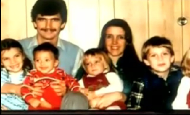 CHILDREN BOLLYWOOD : KATRINA KAIF Childhood Pics Of Katrina Kaif With Her Family