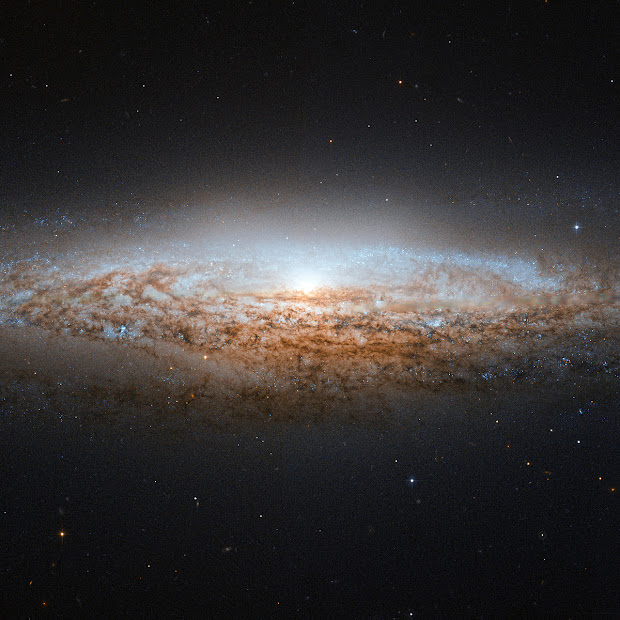 UFO-like Spiral Galaxy NGC 2683 snapped by Hubble!