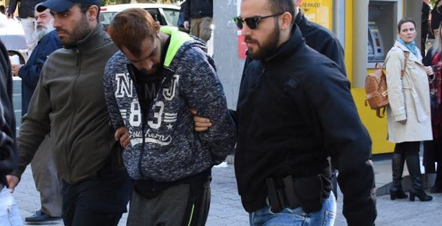 Με το νόμο Παρασκευόπουλου ελεύθερος ο δολοφόνος του Ζαφειρόπουλου