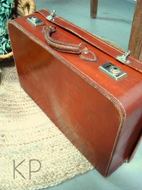 Fotos de maletas antiguas para comprar. tienda vintage valencia
