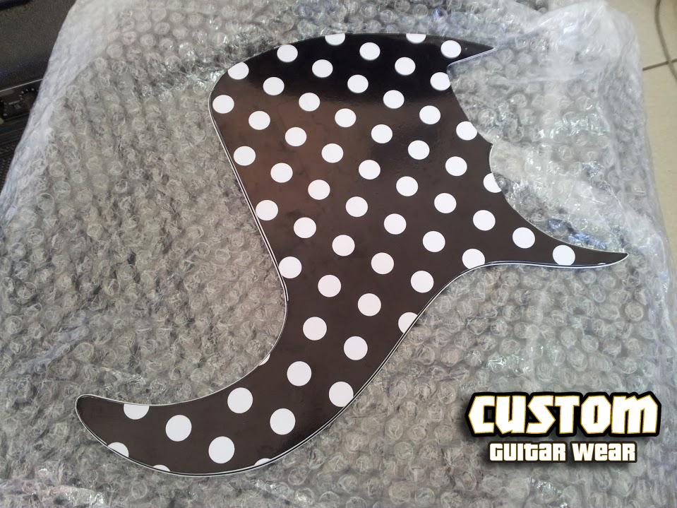 Customizar Pickguard Quem faz esse servico Polka_dots