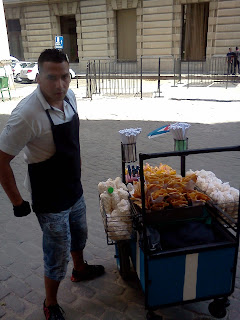 Street food vendor in Habana Vieja