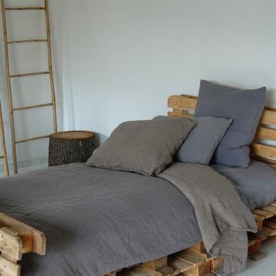 design decor style pedane come letto. Black Bedroom Furniture Sets. Home Design Ideas