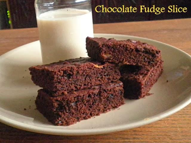 Chocolate fudge slice recipe @ http://treatntrick.blogspot.com