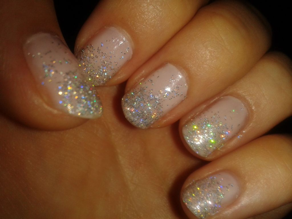 MY NAME IS KIRSTYXO: mani mondays: glitter fade nails