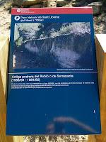 Plafó explicatiu a l'antiga pedrera del Rubió o Serracanta