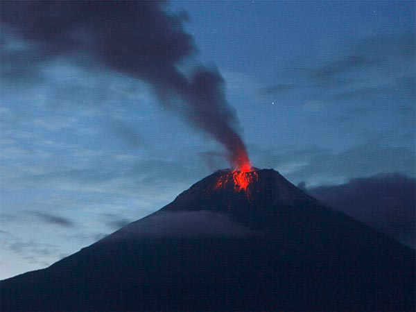"""Tungurahua_Volcano_seen_on_November_30"""