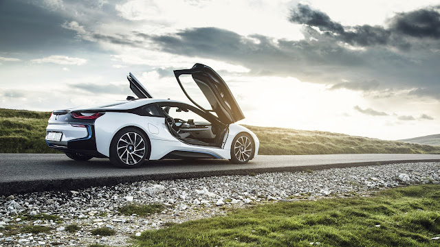 Bmw i8Side View 2