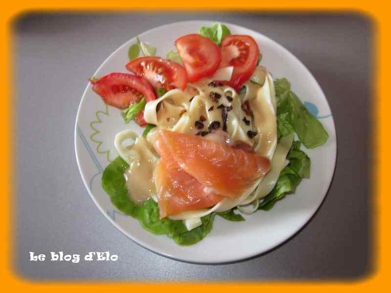 le blog d 39 elo salade compos e au saumon. Black Bedroom Furniture Sets. Home Design Ideas