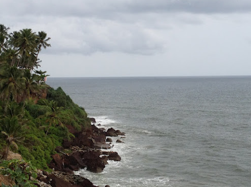 Photos of varkala Papanasam beach and cliff