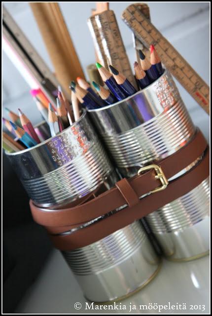 DIY teollishenkinen kynäteline peltipurkeista