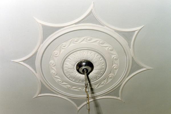 rosone lampadario : Casa dolce Casa: Stucchi decorativi per interni