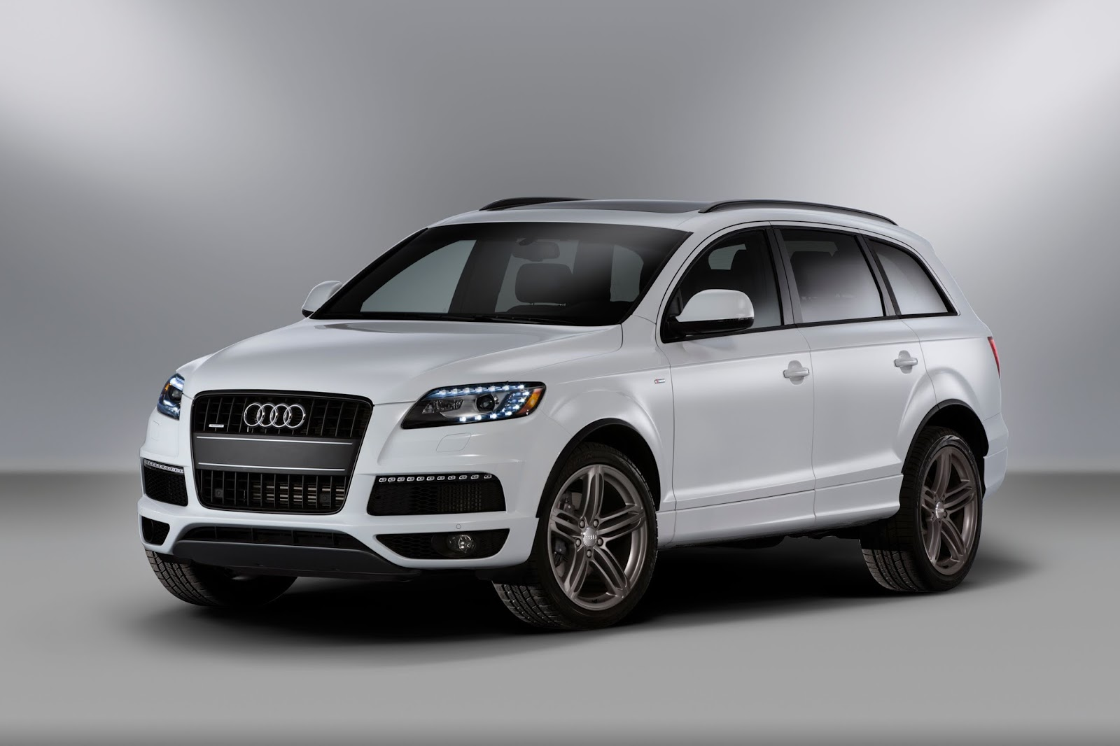 With New Audi Q7 On Its Way Old First Gen Audi Q7 Is More
