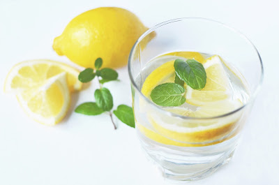 Hot Lemon Water Preparation