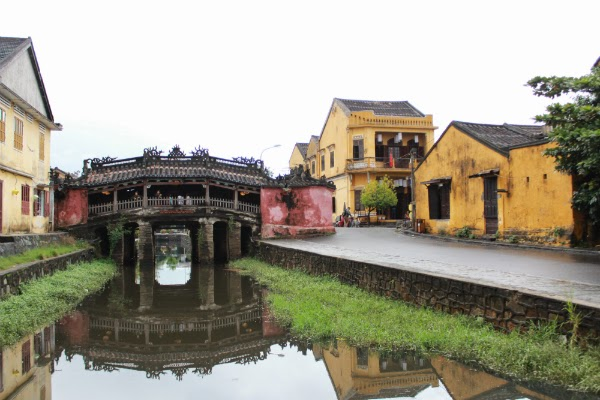 japanese covered bridge hoi an