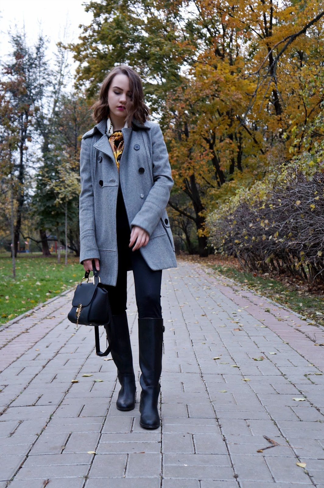 Grey coat | Fashion blogger | Alina Ermilova | Winter fashion
