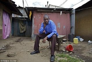 Adik Barack Obama tinggal di gubuk kumuh