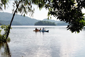 Kayaking at Lake Manguao