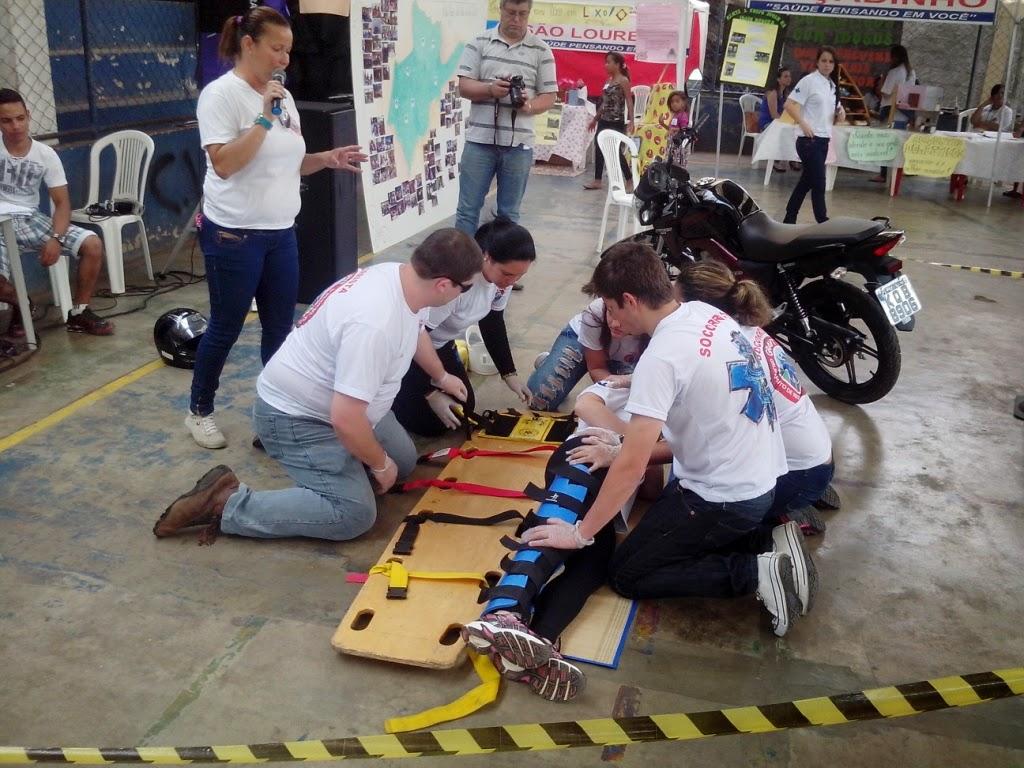 Agentes da GM de Teresópolis participam de simulação de socorro a vítimas de acidente envolvendo motocicleta em São José do Vale do Rio Preto