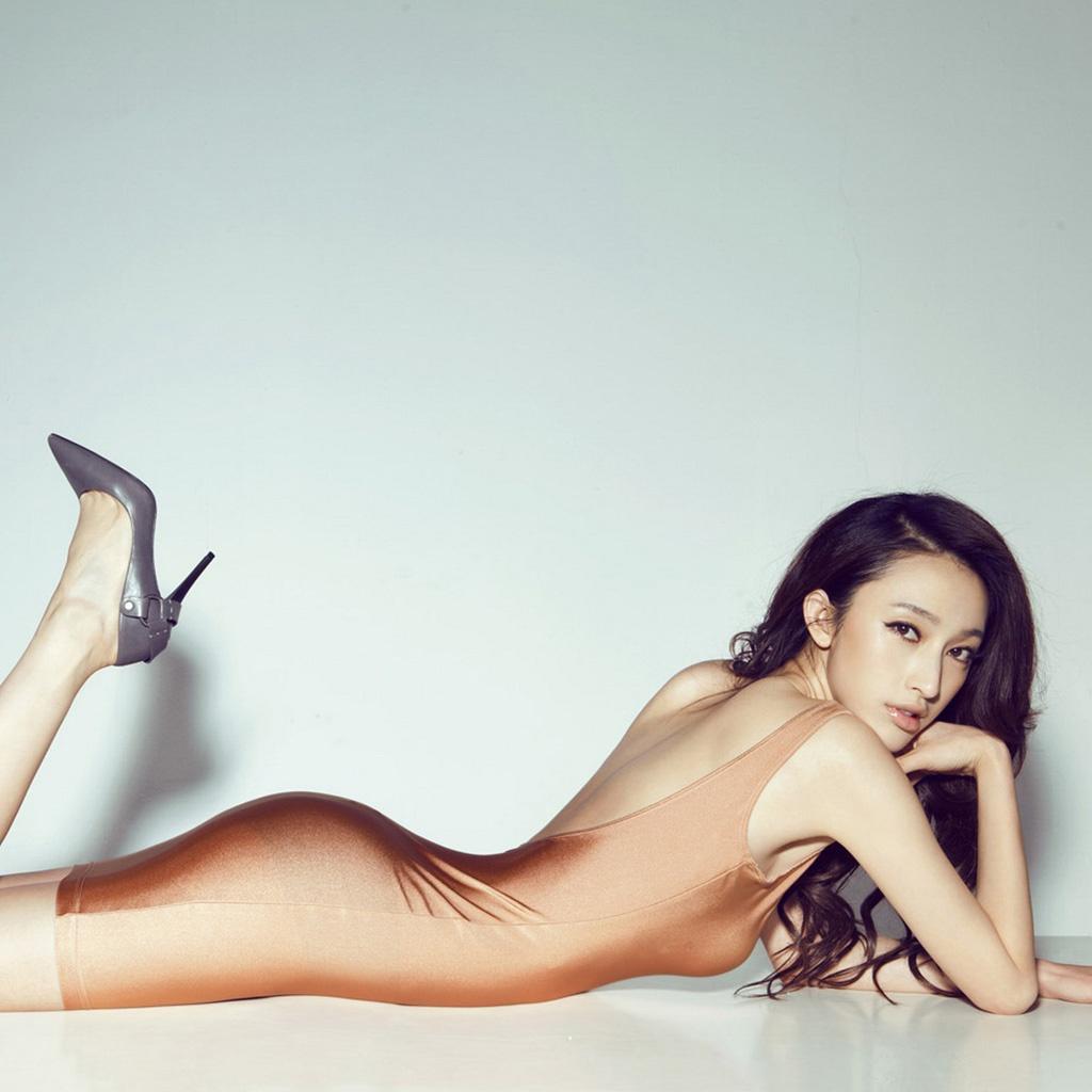 http://4.bp.blogspot.com/-aTwXiCt3-js/TwfRLwsstVI/AAAAAAAANMo/LmE7pwgxn1A/s1600/sexy_woman_17-1024x1024.jpg