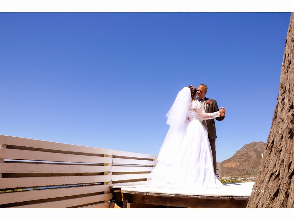 DK Photography 1stslideshow-03 Preview ~ Marilyn & Euan's Wedding in Blue Horizon Estate, Simons Town  Cape Town Wedding photographer