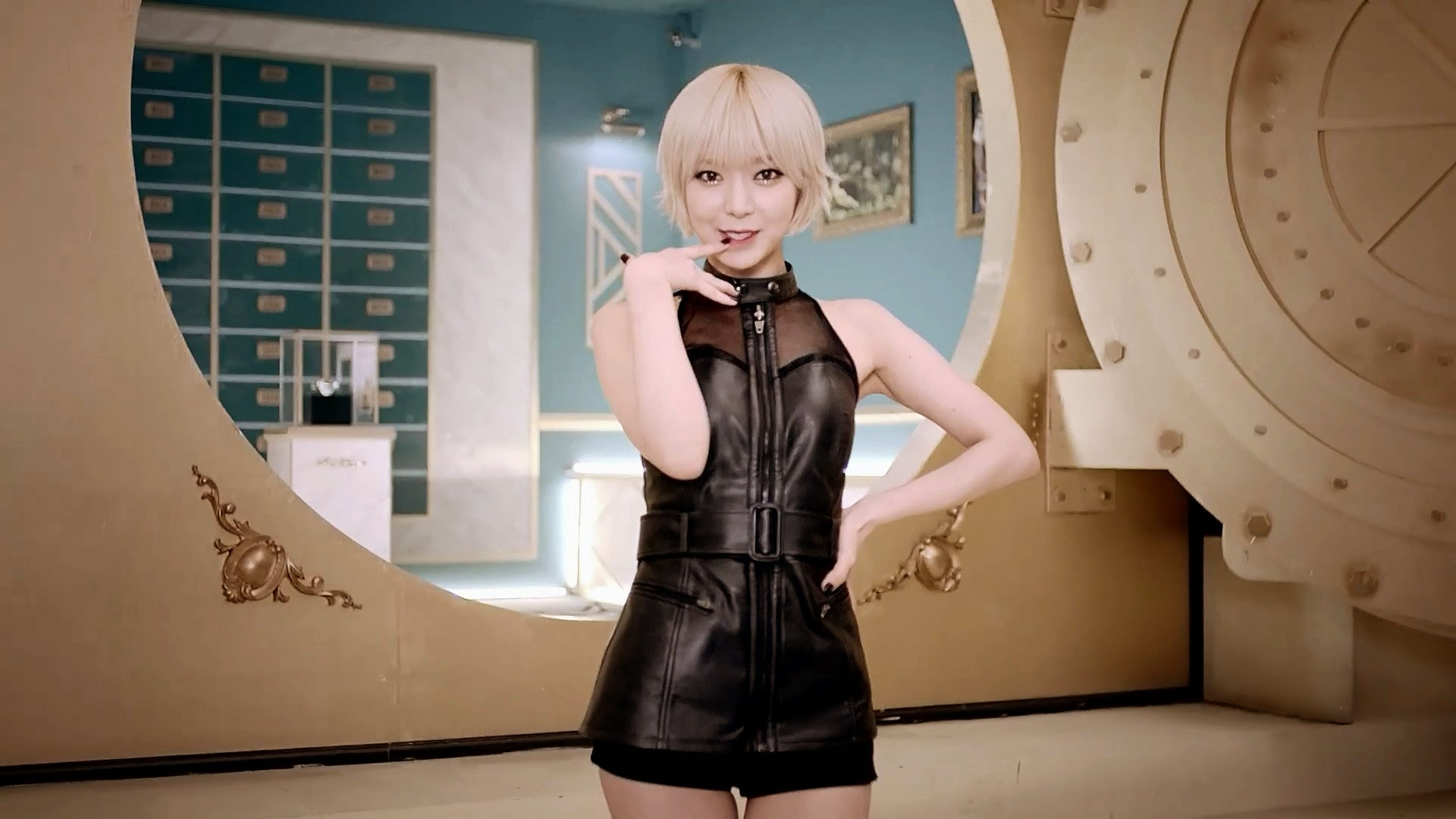 AoA Like A Cat Choa