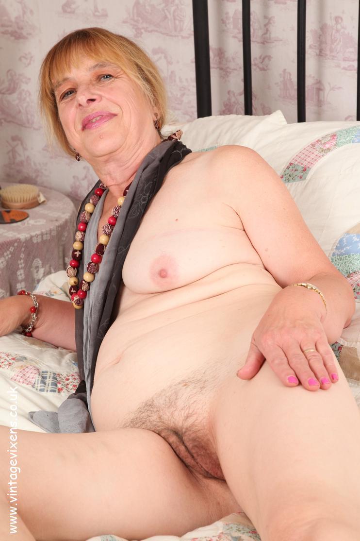archive of old women .com: Older Ladies Galleries