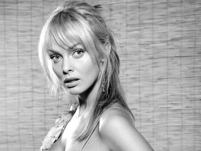 Izabella Scorupco Black and White Classic Wallpaper