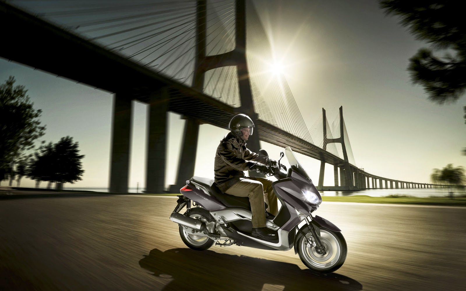MBK Skycruiser New 125 cc Scooty Photo Gallery