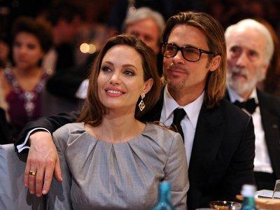 Angelina Jolie Beli Helikopter Untuk Brad Pitt