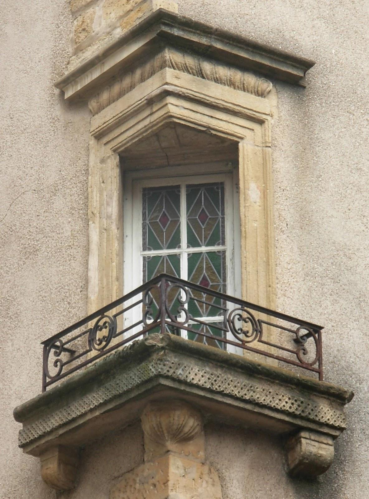 Des fenêtres d'hier et d'aujourd'hui. 36+En+Fournirue+(2)