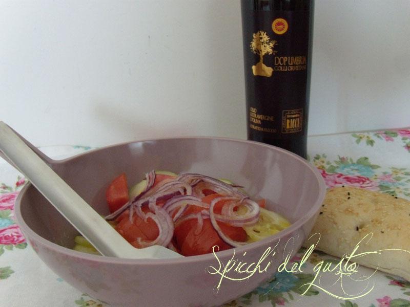 insalata estiva al profumo d'olio d'oliva umbro