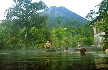 hotel volcan arenal: