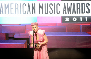 ama 2011 winner katy perry
