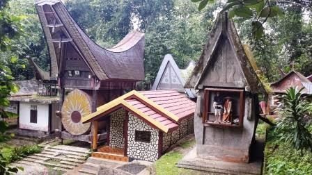 Kete Kesu, Wisata Kuburan dan Tulang Belulang