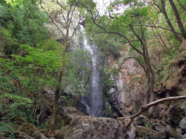 Cascada de Aguacaida Ribeira Sacra.