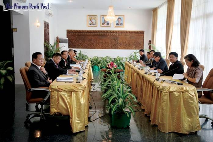 http://kimedia.blogspot.com/2014/04/pm-rainsy-eye-deal.html