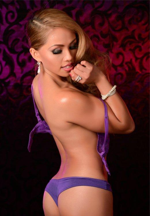 Sexy Model Serena Fuentes
